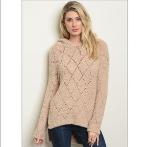 Sweaters - Long sleeve diamond stitched pull over sweater.